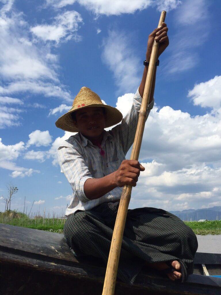 Místní rybář.